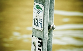 18 metre flood water level sign in perth western australia