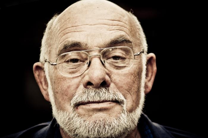Photography Portrait Uncle Les. Photo Drew Barrett