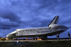 Space Shuttle Discovery_001