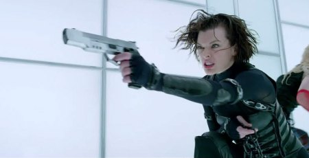 Chat Live with Milla Jovoich as she premieres 'Resident Evil- Retribution' Trailer 012