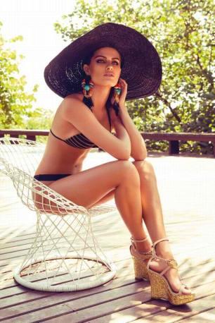 Isabeli Fontana Morena Rosa Swimwear Photoshoot 002