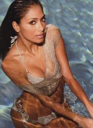 Nicole-Scherzinger-Australian-Maxim-June-2012-4