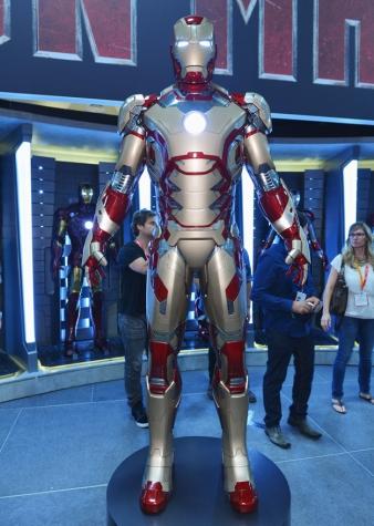First Look at Iron Man 3 Armour Comic Con 2012 Photos 03