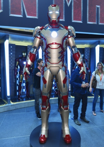First Look at Iron Man 3 Armour Comic Con 2012 Photos 03
