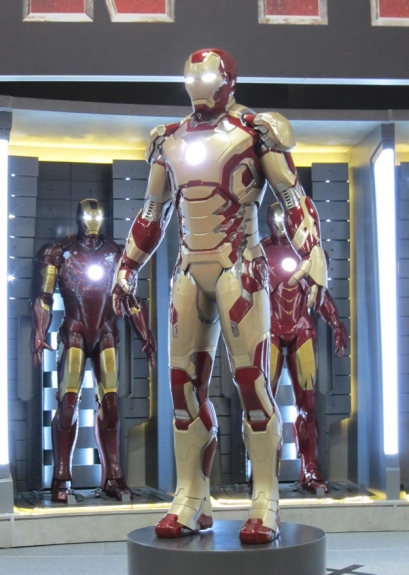 First Look at Iron Man 3 Armour Comic Con 2012 Photos 04