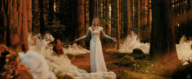 Oz The Great and Powerful Teaser Photos Hi Res - 017