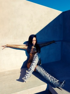Rihanna Covers Harper's Bazaar August 2012 Photos - 007