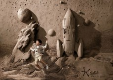 18 Tons of Sand Into Backdrops For Photographs Photos - 002