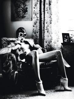Linda Evangelista for W Magazine September 2012 [Photos] - 007