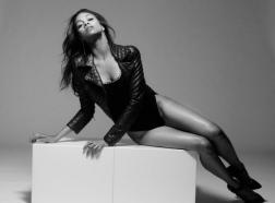 Zoe Saldana Sexy in the September Malibu Magazine by Mark Squires Photos - 008