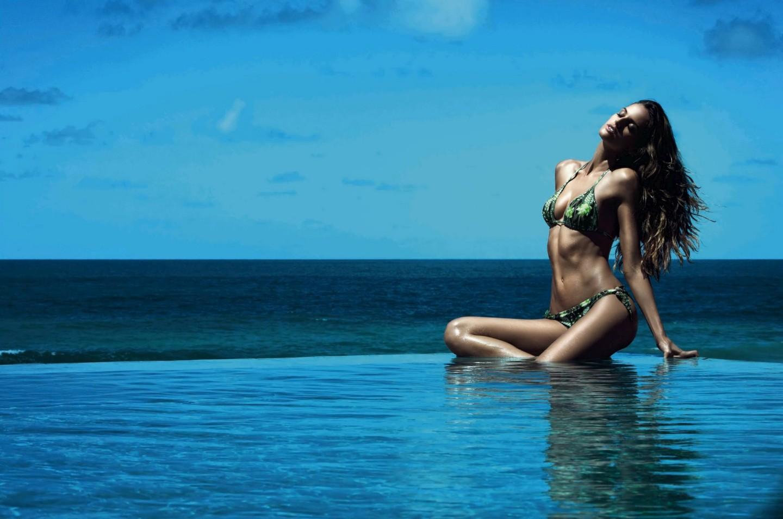 Izabel Goulart Cia Maritima Summer 2013 Bikini Photoshoot[Photos]