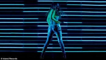 Jennifer Lopez - Goin' In ft. Flo Rida [Music Video] - 002