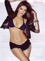 Kelly Brook Sexy Official 2013 Calendar [Photos] - 004