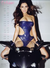 Kelly Brook Sexy Official 2013 Calendar [Photos] - 011