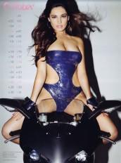 Kelly Brook Sexy Official 2013 Calendar [Photos] - 011