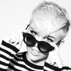 Miley Cyrus in New Photoshoot for MileyCyrus.Com [Photos] - 002