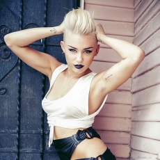 Miley Cyrus in New Photoshoot for MileyCyrus.Com [Photos] - 004