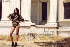 Zoe Saldana Harper's Bazaar Arabia September 2012 [Photos] - 010