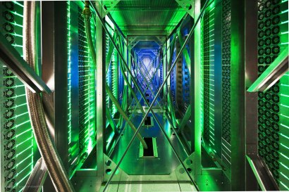 Amazing Photos from inside Google Data Centre, Plus Street View [Photos] 001