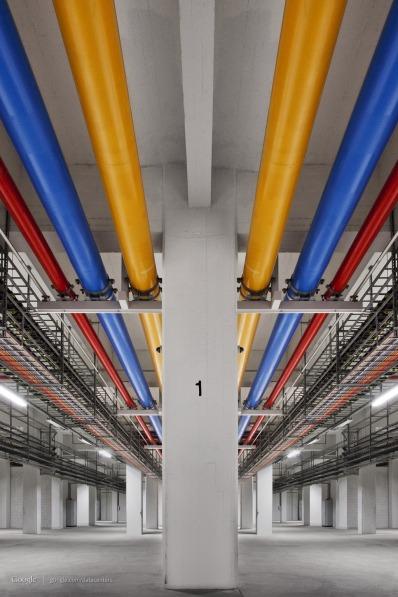 Amazing Photos from inside Google Data Centre, Plus Street View [Photos] 018