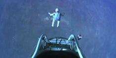 Felix Baumgartner Free falls to Break the Speed of Sound 03