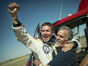 Felix Baumgartner Free falls to Break the Speed of Sound 05