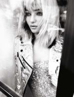 Miranda Kerr goes Blonde for Vogue Italia October 2012 [Photos] 003