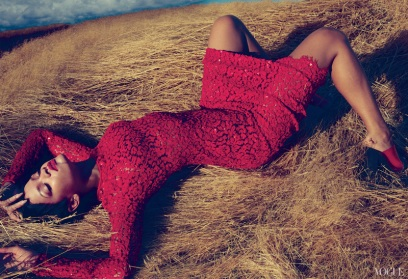 Rihanna Vogue US November 2012 by Annie Leibovitz [Photos] 001