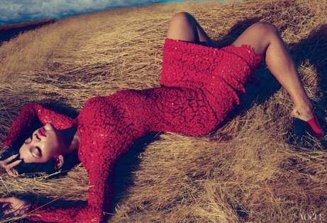 Rihanna Vogue US November 2012 by Annie Leibovitz [Photos] 001