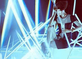 Wang Xiao Lights Up for Harper's Bazaar China Art 2012 [Photos] 004