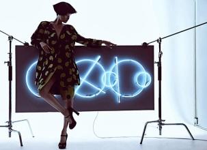 Wang Xiao Lights Up for Harper's Bazaar China Art 2012 [Photos] 005