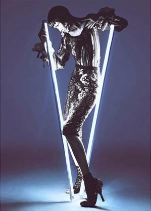 Wang Xiao Lights Up for Harper's Bazaar China Art 2012 [Photos] 007