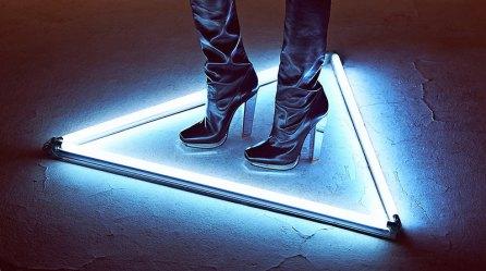 Wang Xiao Lights Up for Harper's Bazaar China Art 2012 [Photos] 010