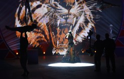 Adriana Lima is back on the Victoria's Secret Catwalk [Photos] 009
