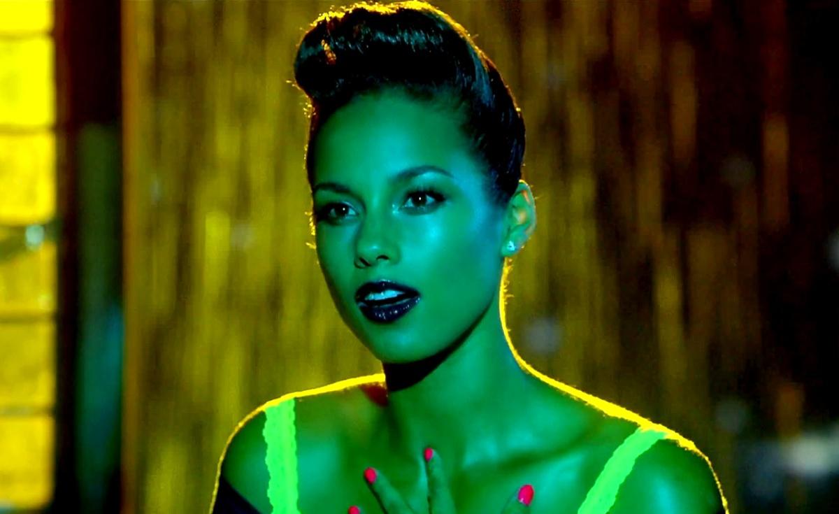 Alicia Keys – Girl On Fire (Inferno Version) ft. Nicki ...