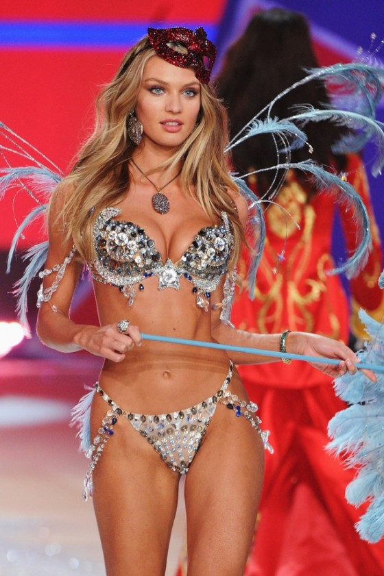 Candice Swanepoel 2012 Victoria's Secret Fashion Show [Photos] 004