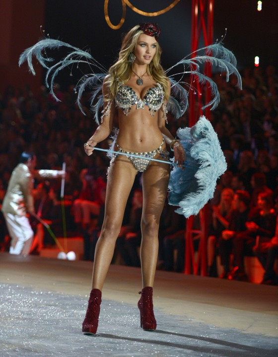 Candice Swanepoel 2012 Victoria's Secret Fashion Show [Photos] 017