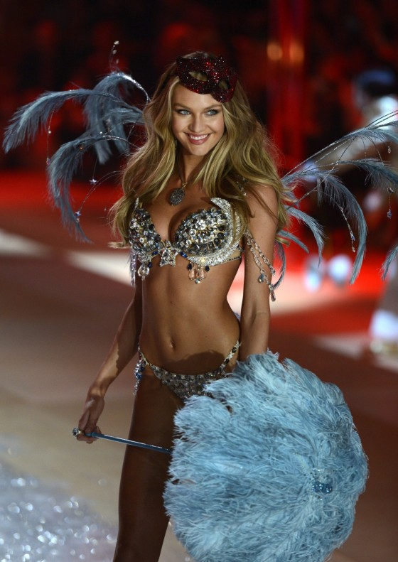 Candice Swanepoel 2012 Victoria's Secret Fashion Show [Photos] 025