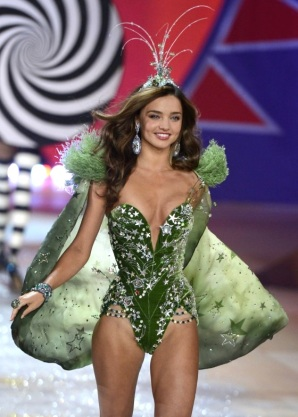 Victoria's Secret Fashion show 2012 with Miranda Kerr [Photos] 005