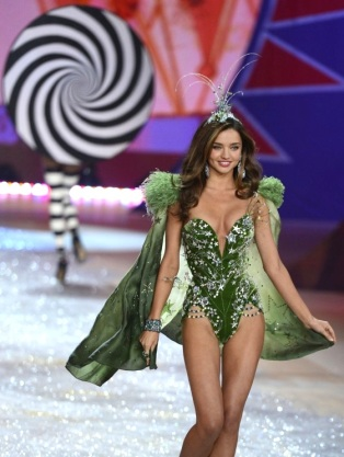 Victoria's Secret Fashion show 2012 with Miranda Kerr [Photos] 006