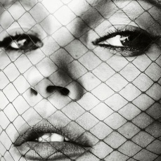 Kate Moss by Mario Testino for Vogue Spain [Photos] 009