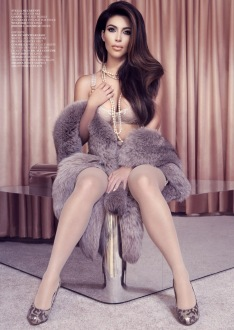 Kim Kardashian for Factice France January 2013-000