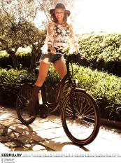 Kylie Minogue Calendar 2013 [Photos] 003