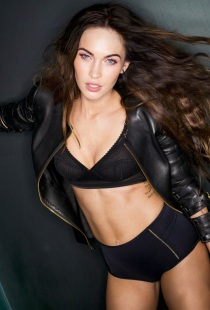 Megan Fox Covers February 2013 issue of Esquire [Photos] 003