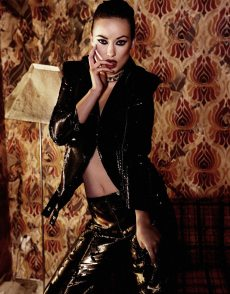 Olivia Wilde by Yus Tsai for Flaunt Magazine [Photos] 005