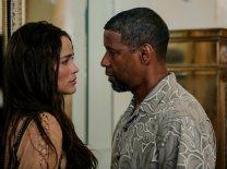 2 Guns Trailer- Denzel Washington and Mark Wahlberg Team Up [Movies] 03