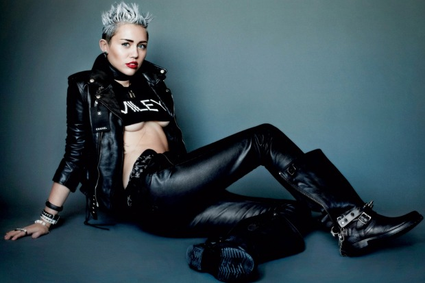 MILEY CYRUS BY MARTIO TESTINO FOR V MAGAZINE 2013 pics 01