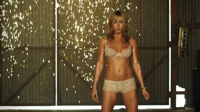NSFW--Jennifer-Aniston-is-sizzling-in-the-trailer-for-We're-the-Millers-[Movies]