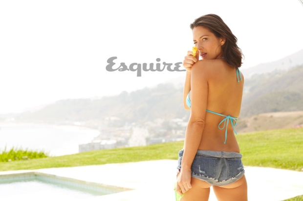 Olivia Munn Scorching in latest issue of Esquire Magazine [Photos] 01