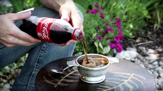How-To-Turn-Liquid-Soda-into-a-Slushie-within-Seconds-1